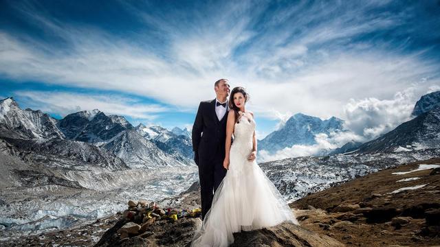 UNUSUAL WEDDINGS AT UNBELIEVABLE DESTINATIONS